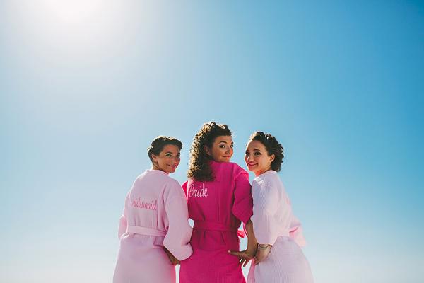 bride-preparation-robe