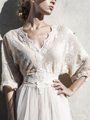 wedding-gown-lace-katia-delatola
