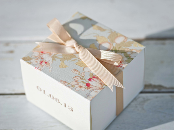 unique-favors-wedding-spring