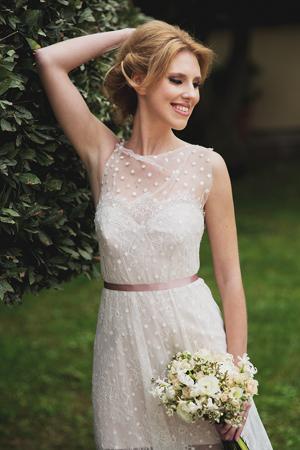 bridal-bouquet-white-flowers