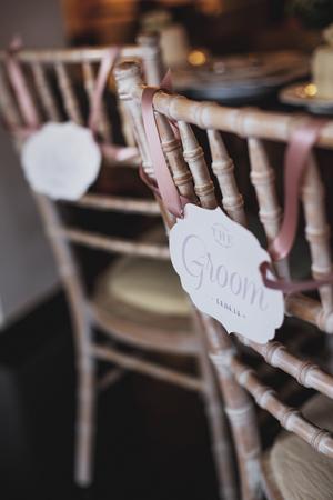 groom-chair-sign