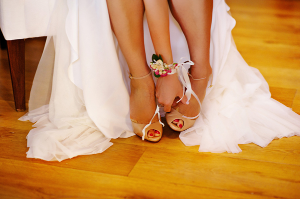 bridal-shoes-wedding-island