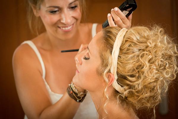 beach-wedding-makeup-1