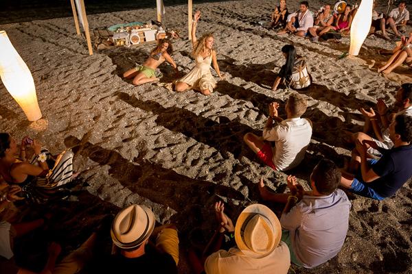 beach-wedding-party-2