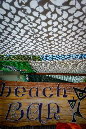 wedding-party-beach-bar