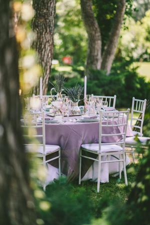 wweddings-table-decorations-elegant-purple