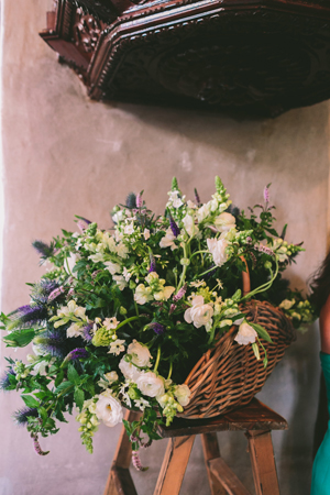 anemones-wedding-decorations