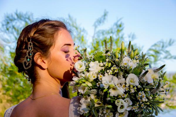 cascade-bouquet
