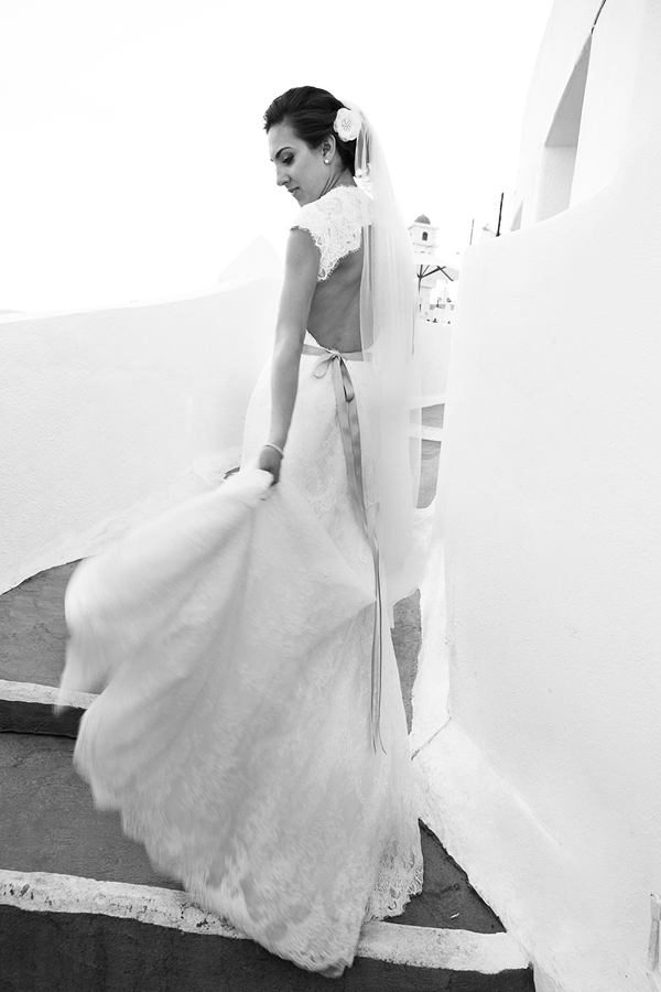 designer-backless-wedding-dresses