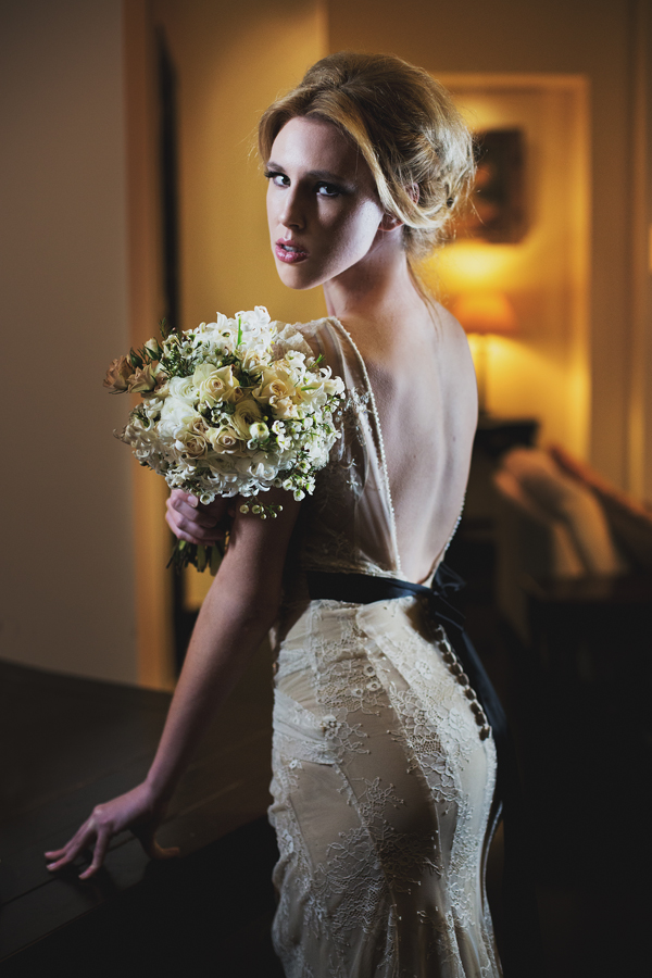 lace-backless-wedding-dresses