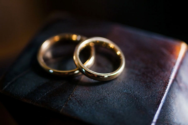 photography-wedding-rings-1