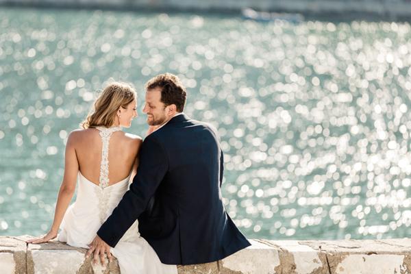 urban-style-backless-wedding-dresses