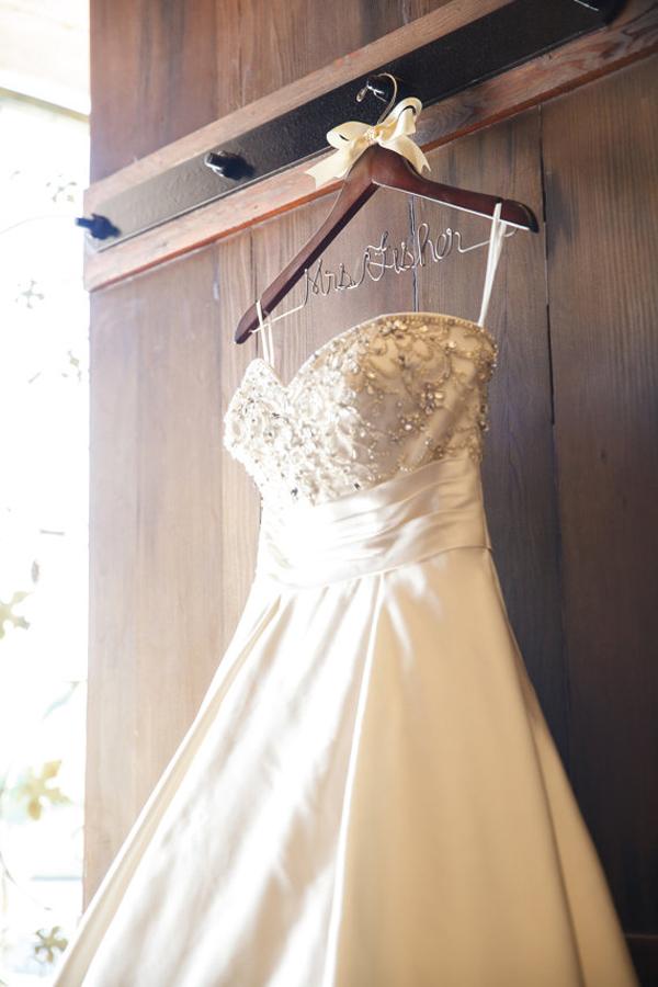 Wedding Hangers For Your Wedding Dress Chic Stylish Weddings