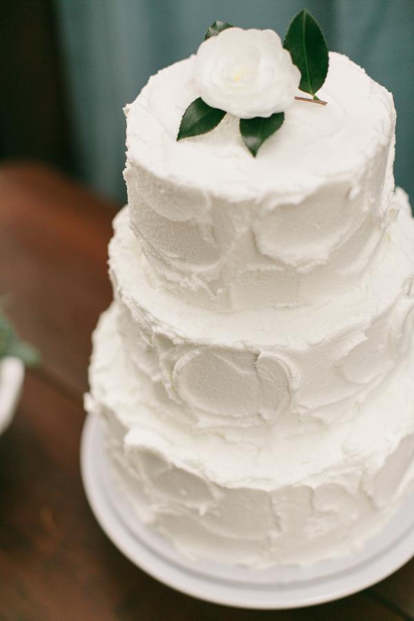 textured-buttercream-gluten-free-carrot-cake