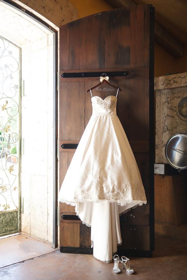 vintage-bridal-hangers