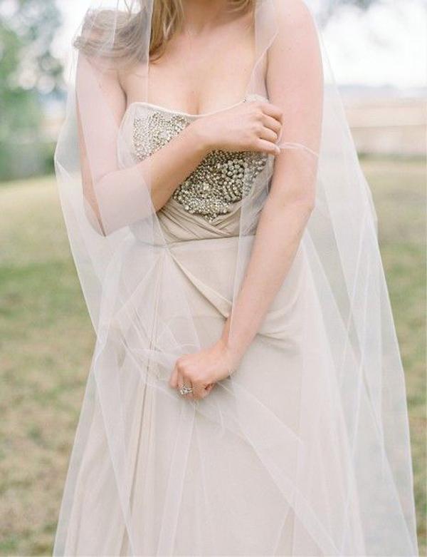 wedding-dress-with-movement