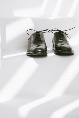destination-wedding-groom-shoes