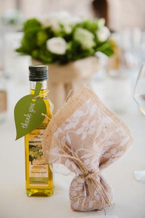 wedding-favors-handmade-burlap-lace-satchels