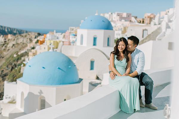 honeymoon-destination-santorini
