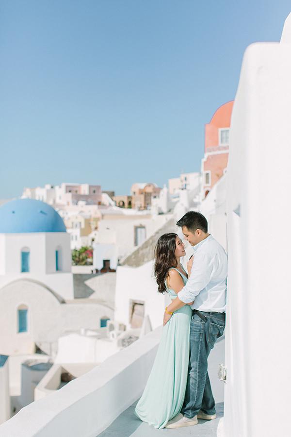 honeymoon-destinations-santorini