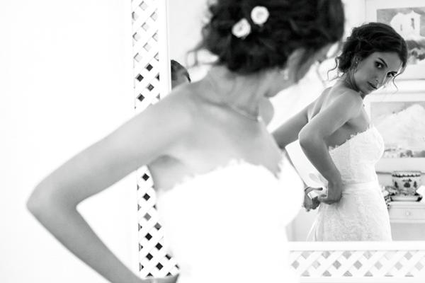 elegant-strapless-wedding-dress-Oscar-De-La-Renta