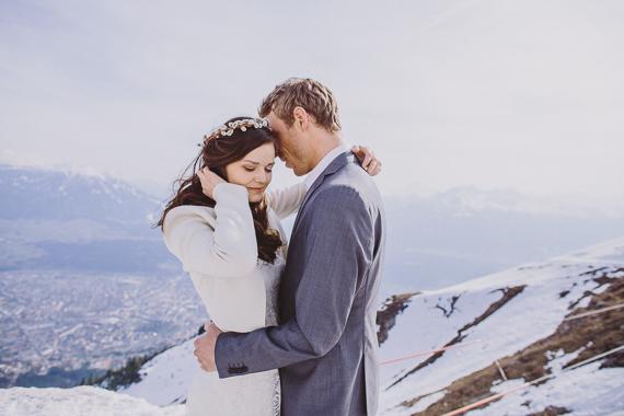snowy-wedding-photos-alps-17
