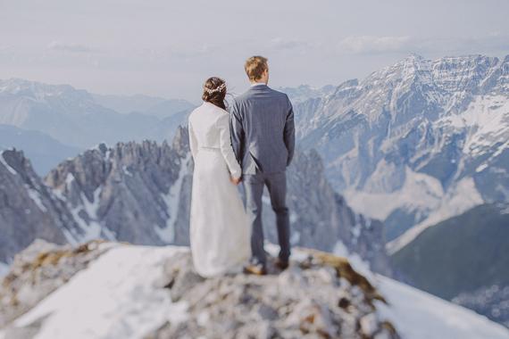 snowy-wedding-photos-alps-18