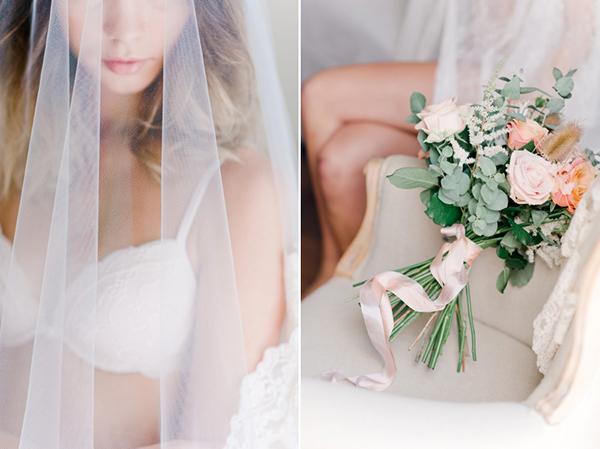 bridal-boudoir-shoot-peach-pastel-roses-bouquet