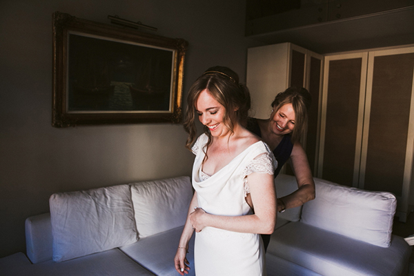 intimate-wedding-crete-greece-bridal-preparation