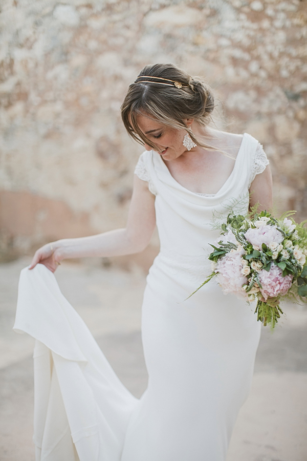 intimate-wedding-crete-suzanne-neville-dress