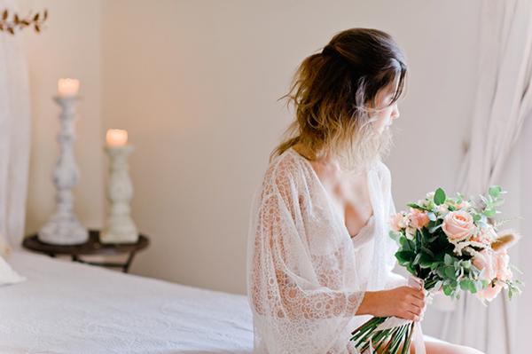 pastel-peach-bridal-bouquet