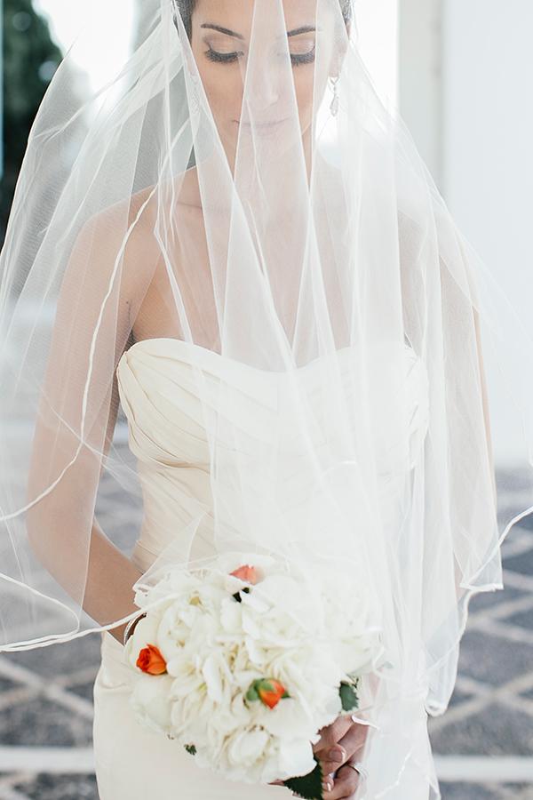 wedding-bouquet-coral-flowers