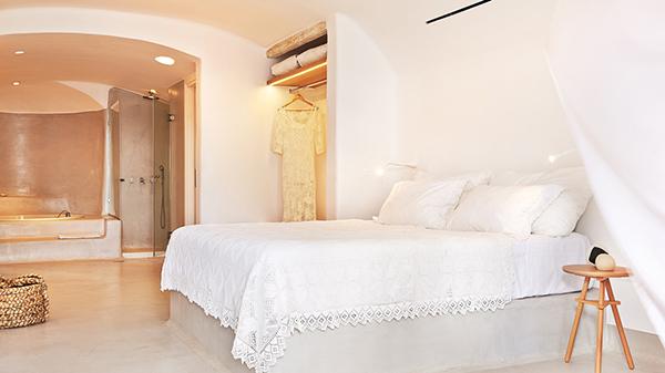 luxury-suite-private-honeymoon-mykonos-island-greece