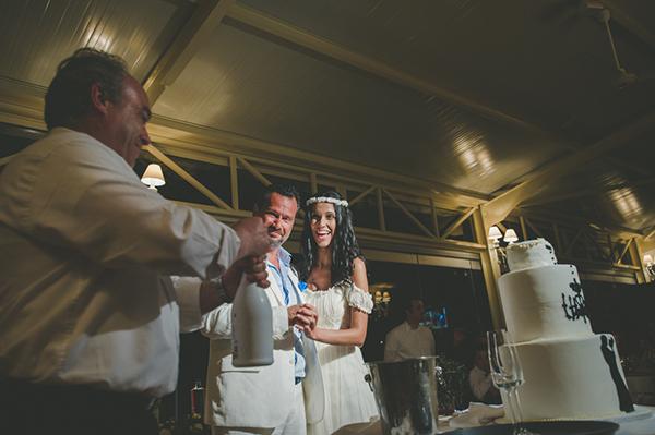 summer-wedding-parga-wedding-cake