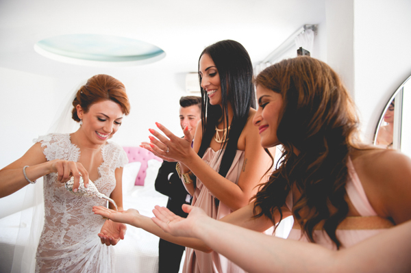 bridal-preparation-wedding-in-santorini (1)