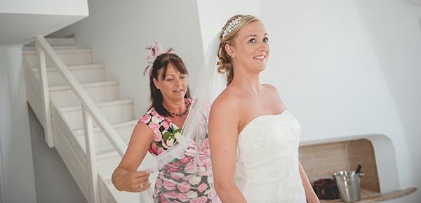 elegant-wedding-in-santorini-bride (2)