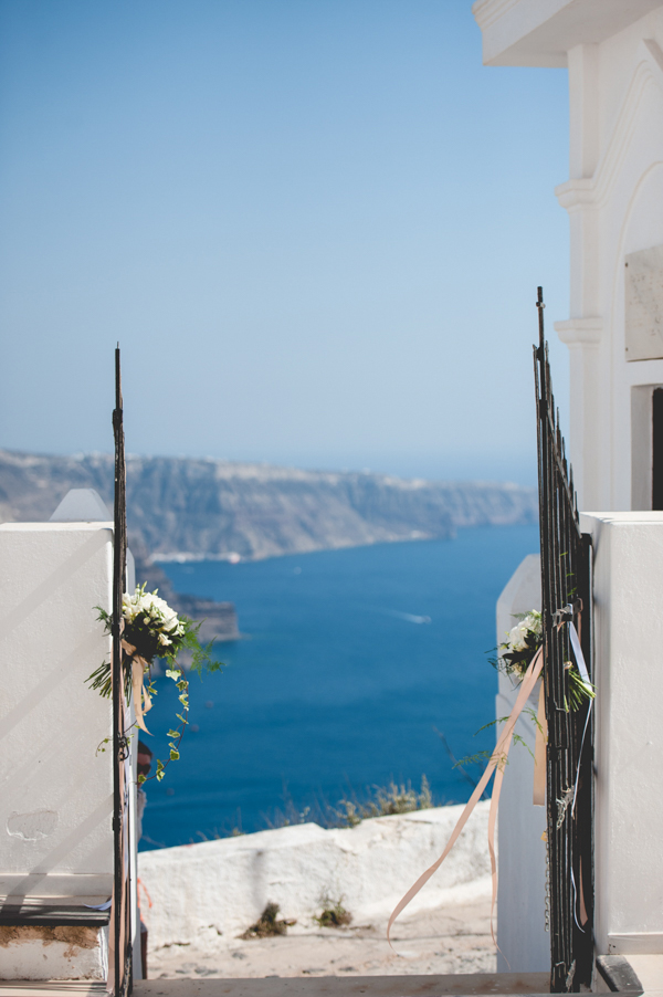 summer-destination-wedding-in-santorini (10)
