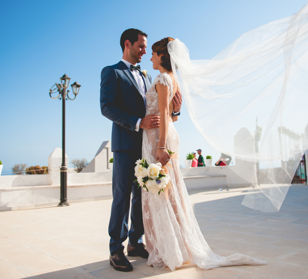summer-destination-wedding-in-santorini (2)