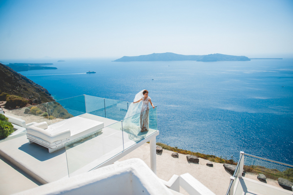 summer-destination-wedding-in-santorini (7)