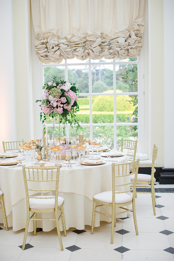 pink-and-gold-wedding-decoration-blenheim-palace
