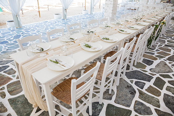 wedding-venue-table-settings