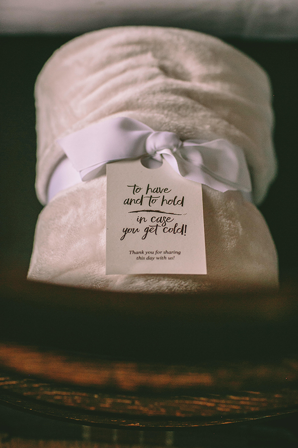unique-wedding-favor-ideas-winter-wedding