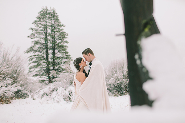 winter-wedding-snow-photography-ideas