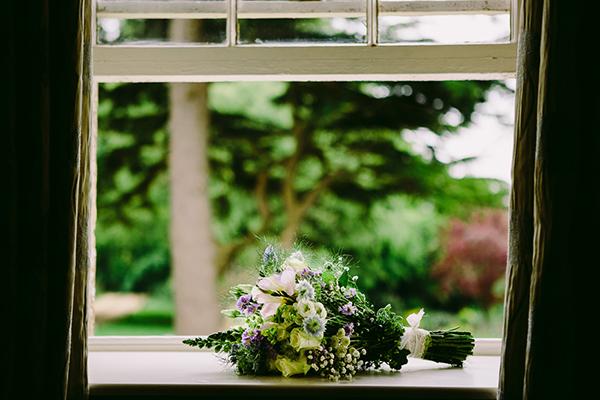 barn-wedding-flowers