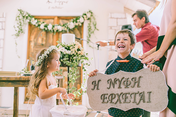 flower-girl-wedding-signs
