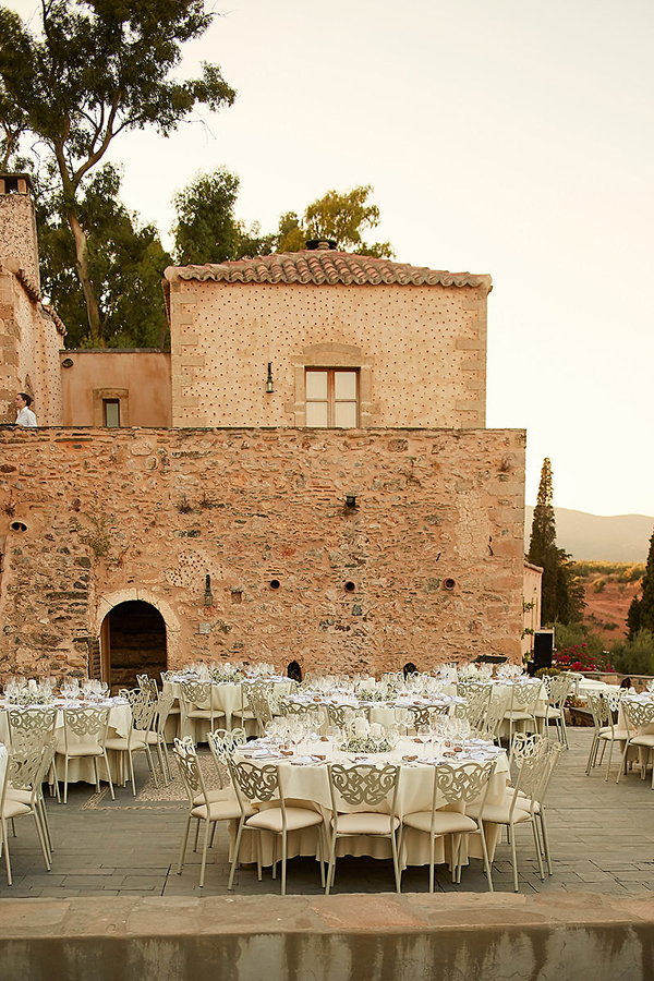 outdoor-wedding-reception-ideas (1)