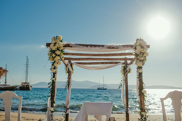 beach-ceremony-decoration