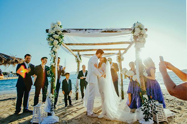 beach-wedding-ceremony (1)