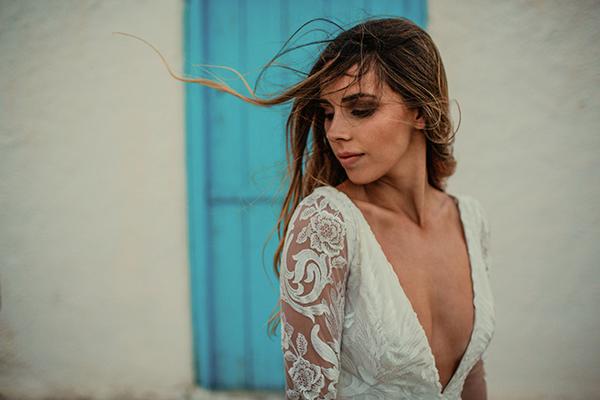 v-neck-wedding-gown