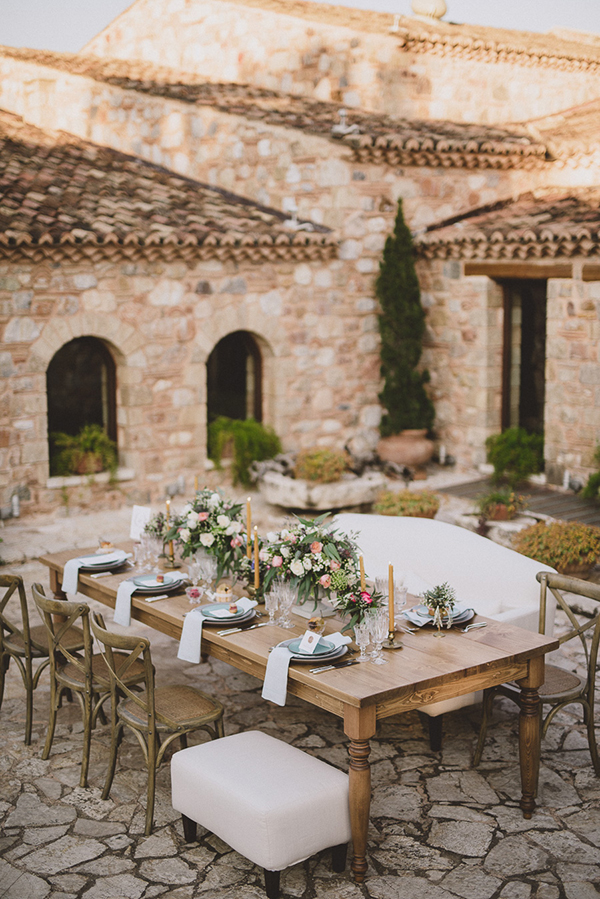 mixed-seating-wedding-table